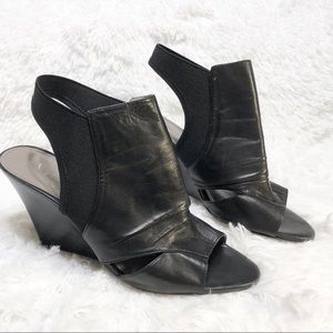Vince Camuto Black Leather Peep Toe Wedge 9.5 B